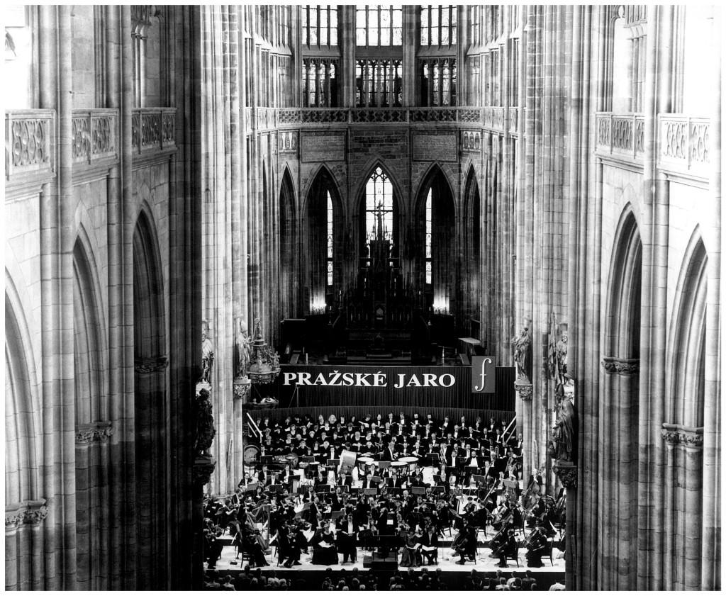 Z koncertu Pražského jara v Katedrále sv. Víta, kde 14. května 1993 zaznělo Liverpoolské oratorium. Foto Zdeněk Chrapek