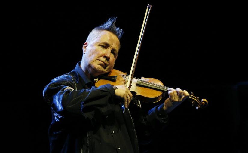 Virtuozita napříč žánry – slavný houslista Nigel Kennedy