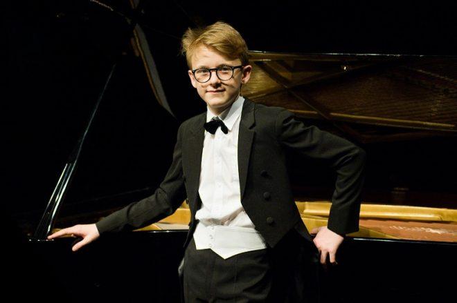 Absolutním vítězem mezinárodní rozhlasové soutěže Concertino Praga 2019 se stal patnáctiletý klavírista Jan Čmejla.